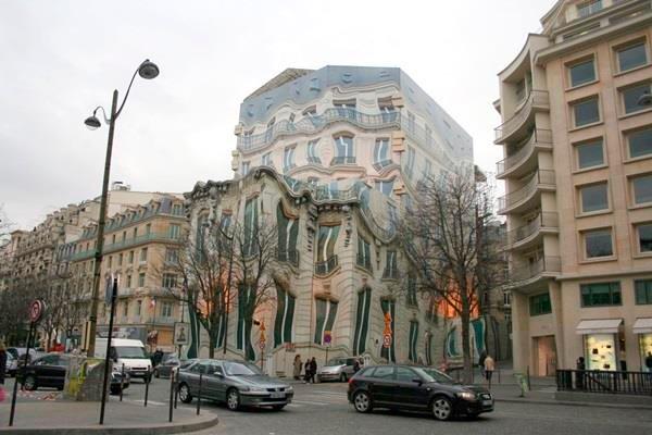 Melting Building, França